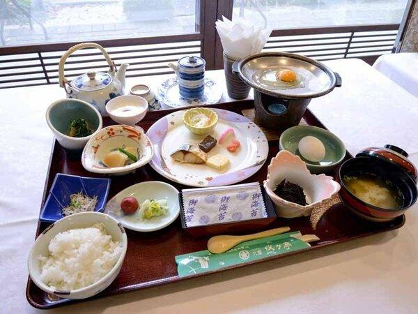 *ご朝食一例/栄養バランスの整った旅館の朝ごはんで一日の元気をチャージ!