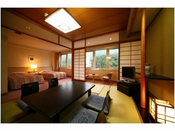 【Hana館】 和洋室 山側 44平米 お部屋からイルミネーションを楽しめます。