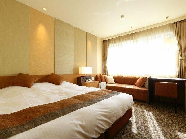 【Hana館】 洋室 ダブルルーム (山側) ※ソファーベッド利用で3名も可能でございます。
