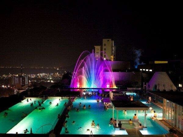 【ザ アクアガーデン】光と音が演出する幻想的な噴水ショー。見る者を魅了する、