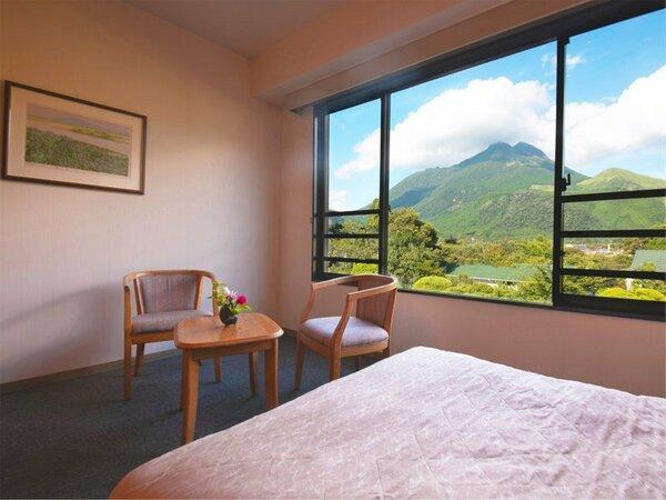 ■トリプル・由布岳ビュー■空色や茜色、季節や時間帯で背景が変わる、由布岳をお楽しみください