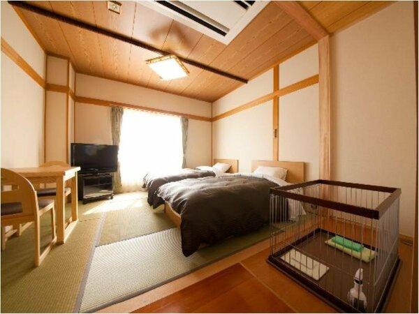 畳8畳に、ベッドが2台のお部屋です