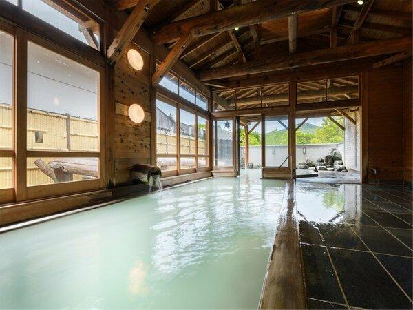 【天狗の湯】内湯から露天風呂へ入浴したままいける心踊る露天風呂