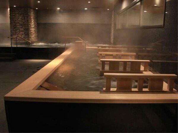 檜の香りが広がる檜ジェット風呂