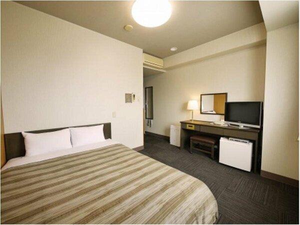 【ダブルルーム】ベッドサイズ140×200(cm)全室無料インターネット回線完備