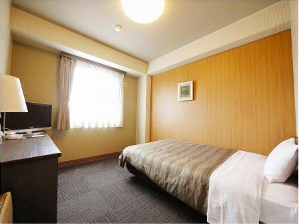 【シングルルーム】ベッドサイズ120×200(cm):無料Wi-Fi、加湿機能付空気清浄器、液晶TV完備!