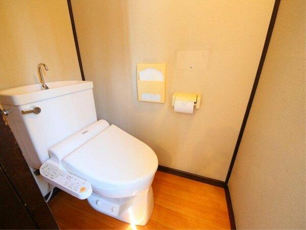 和室10畳 トイレ
