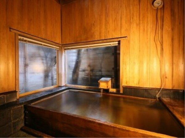 木造り檜貸切風呂{つかまの湯」別館にご宿泊のお客様は40分無料でご入浴いただけます。