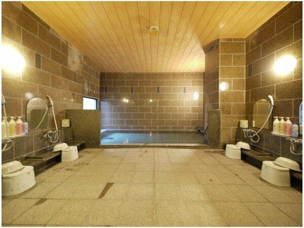 1階には男女別の人工温泉大浴場をご用意!旅の疲れを癒してください。