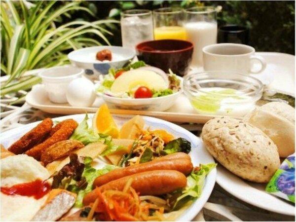 無料朝食バイキング 朝はしっかり朝ご飯!