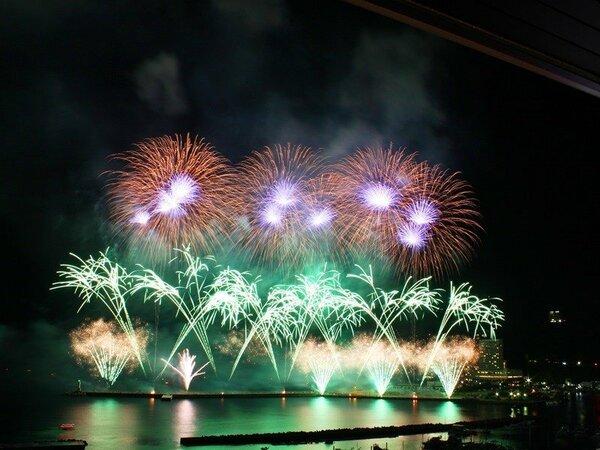 熱海海上花火大会のイメージ(※海側の客室からはお部屋内からご覧いただけます。)