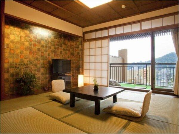 「湯の街館2F客室」は10畳と充分な広さですが広縁がない分お得にご宿泊いただけます。