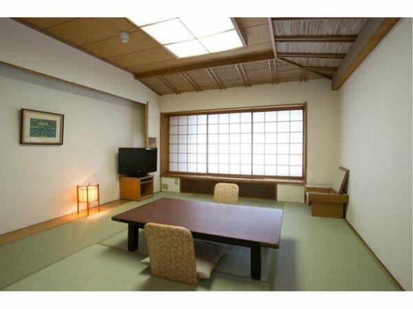 和室10帖タイプのお部屋です。