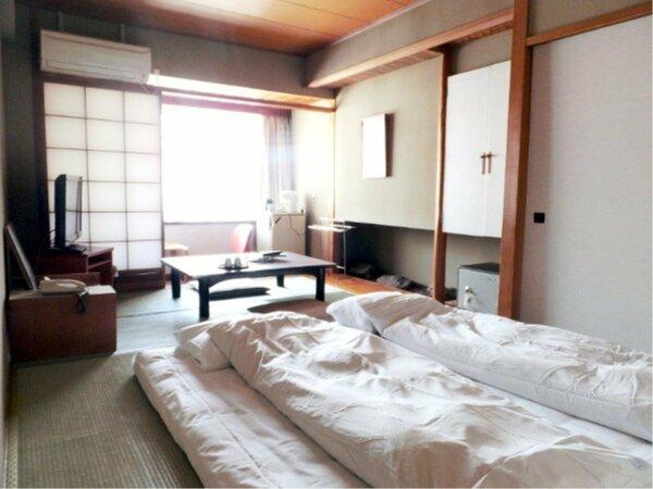 和室7.5畳のお部屋でございます。眺望はホテル側におまかせになります。