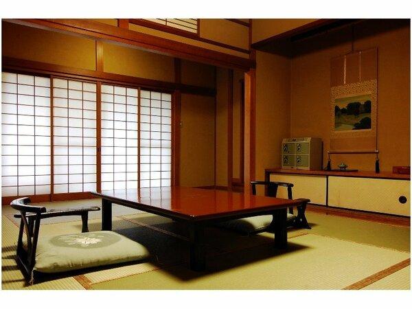 懐心亭(南館)一例。木造のお部屋。数寄屋造りの心地よさをご堪能ください。