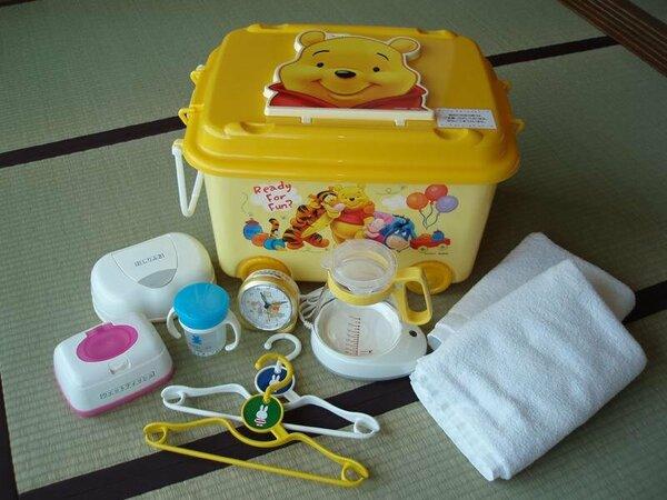 オムツ用ゴミ箱、哺乳瓶ブラシ、コンセントカバー、マグカップなどの赤ちゃんグッズをご用意します。