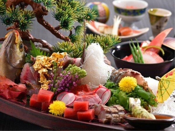 豪華な食事をお楽しみください