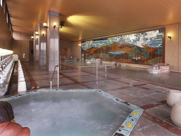 壁画大浴殿・九谷焼陶板作品のタイトルは「海辺飛翔」