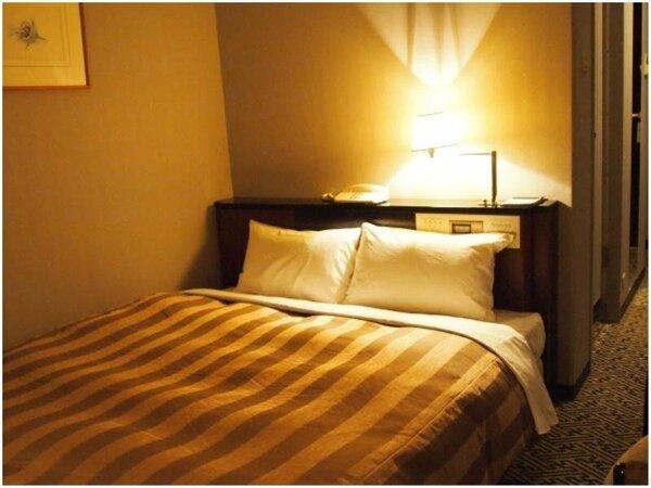 セミダブル(夜)18.4平米 ベッド幅140cm