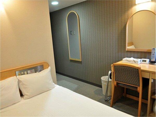 【セミダブルルーム】   お部屋12平米 ベッドサイズ:W120cm×L200cm
