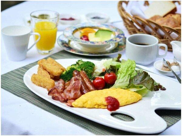 シェフ自慢のふわふらオムレツを朝食にどうぞ♪
