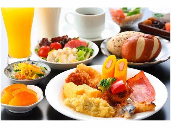 【バイキング朝食】-ご宿泊者様無料-さまざまな朝食のスタイルに合った温かい料理をご提供いたします。