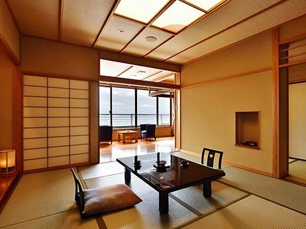 【扇栄】露天風呂付客室は和の趣漂う和室10畳と6畳、広縁で構成されています。※一例