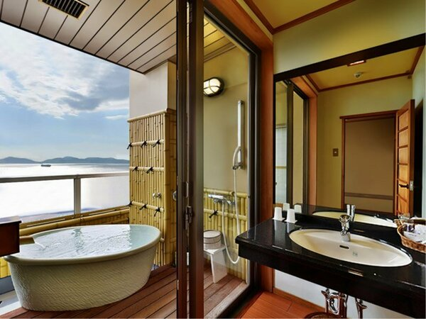 【扇栄】美しい三河湾を眺めながらの露天風呂でプライベート入浴をお楽しみ下さい。※一例