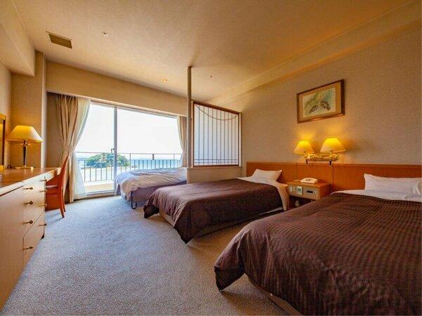 ~7階洋室ツイン~ エキストラベッド使用(ソファベッドタイプ)で3名一室までご利用可能。