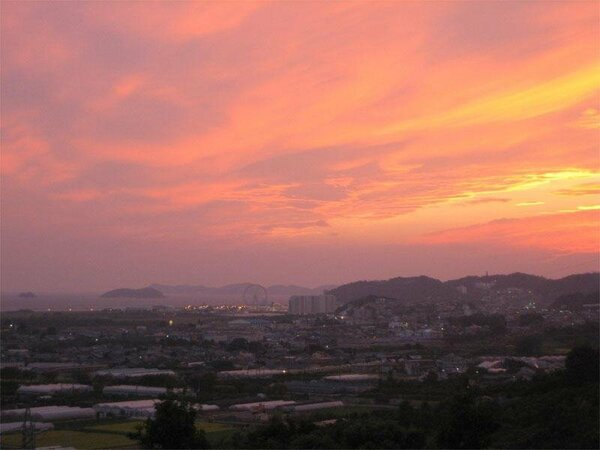 三河湾に沈む夕日は絶景です。