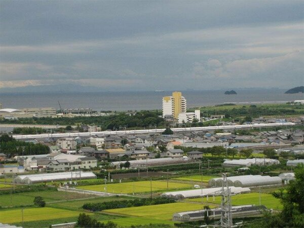上りと下りの新幹線が向き合う瞬間が見える日本唯一の宿です