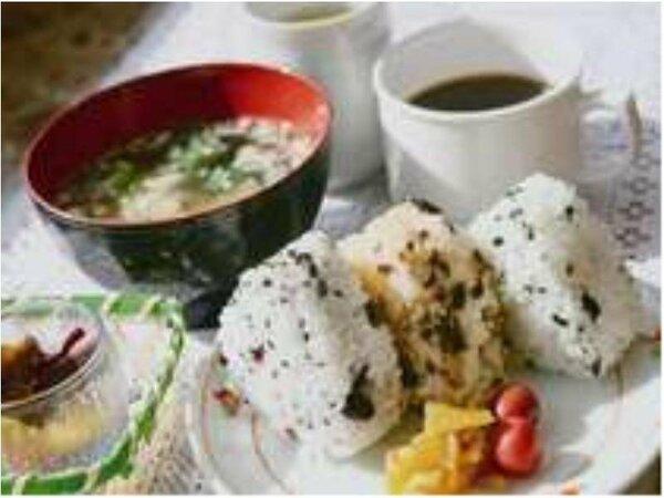 好評の朝食サービス☆今日も朝からしっかり食べて頑張りましょう!!