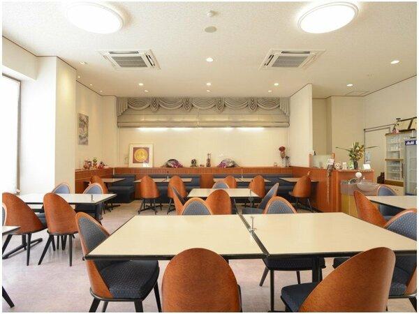 朝食はコチラのレストランにてご用意致します。
