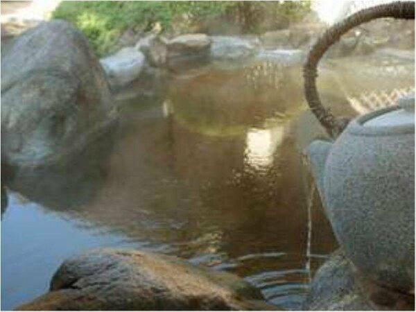 嬉野では和楽園だけ。緑茶をたっぷり浸した「お茶風呂」
