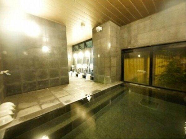 【男性大浴場】15:00~2:00/5:00~10:00の時間帯でご利用頂けます。