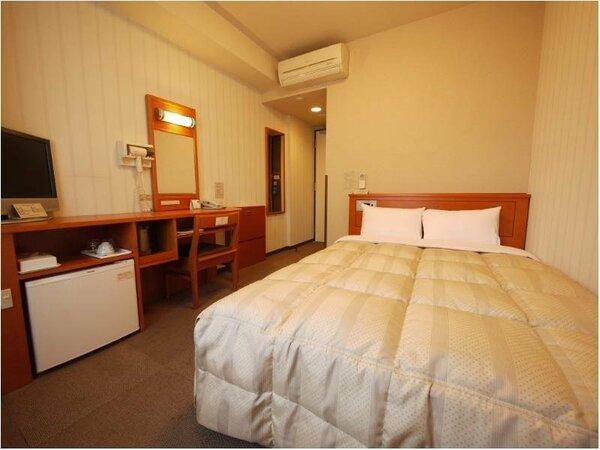 【ダブルルーム】ベッドサイズ140×196(cm)無料Wi-Fi、加湿機能付空気清浄器!