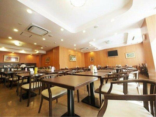 【レストラン花茶屋】営業時間 6:45~9:00バイキング朝食は無料にてご提供しております。