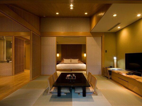 ガーデンスパスイート(79.8平米/禁煙)・・・温泉露天風呂付+ベッドルーム+和室+リビング