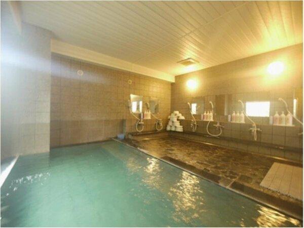 天然の麦飯石を使用してお湯を滑らかにし、体の芯から温める人工温泉大浴場!!