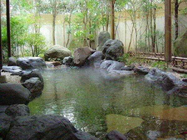 大浴場露天風呂/露天岩風呂「宮津の湯らゆら温泉」で心身ともに疲れを癒してください。