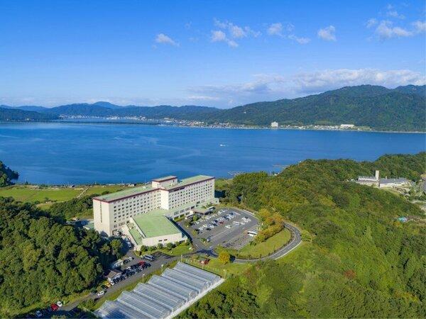 外観/ホテル外観一例。天橋立と宮津湾を望む高台に位置する大型リゾート。美しく青い海は丹後の宝です。