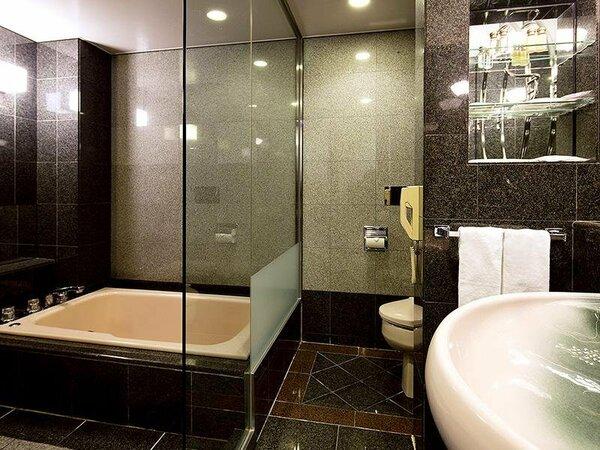 *【和室バスルーム】御影石造りでゆったりと過ごせるバスルーム