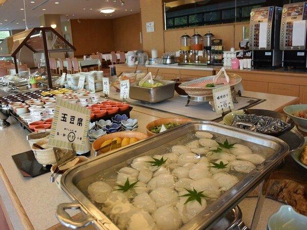 朝食バイキング♪和食も充実していますよ(^。^)y-.。o○