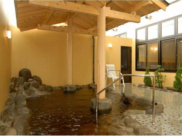 当ホテルより徒歩3分♪天然温泉【エルムの湯】露天風呂