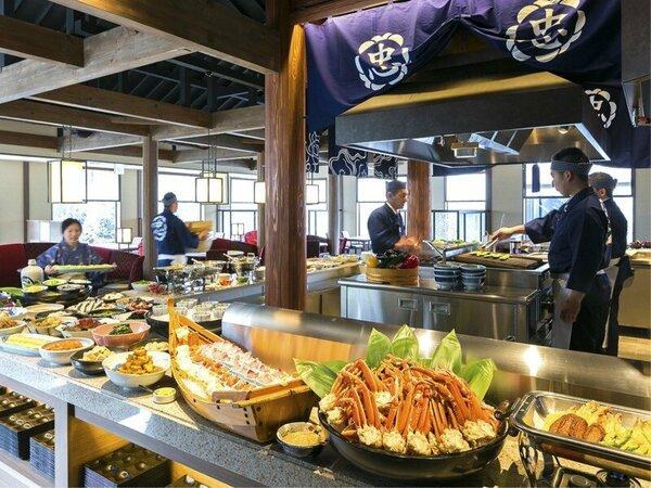 【ご朝食イメージ】約60種類のお料理を、ビュッフェ形式で。優しい味のおばんざいや郷土料理が揃います。