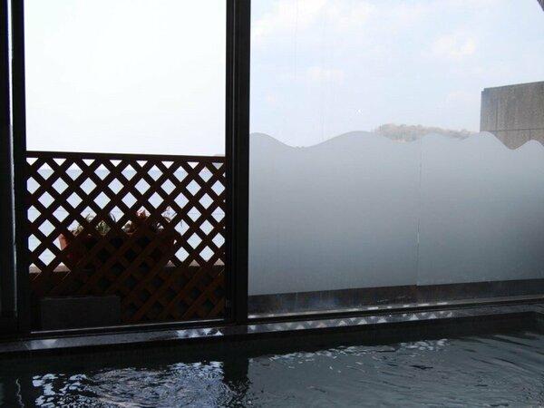 ◆大浴場:遠くは小豆島まで一望できます。