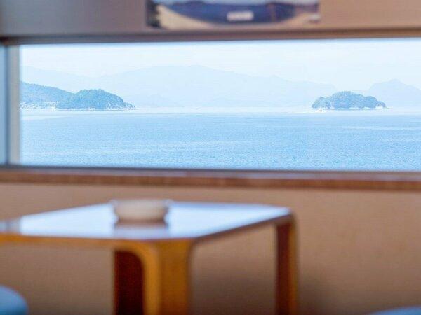 ◆全室オーシャンビューの客室は、窓からは瀬戸内海が眺められます。