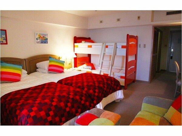 リゾッ太ススーペリアルーム:お子様専用の2段ベッドを配置したファミリータイプのお部屋