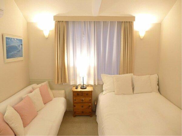 明るく清潔感のある人気の202号室です。