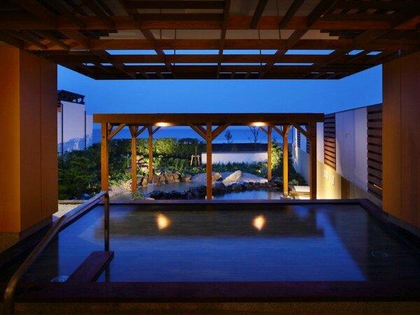 2014年夏、温泉大浴場「湯屋 海の回廊」が新装オープン!海を眺めながら鴨川温泉を満喫いただけます。